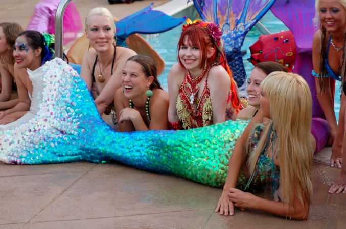 Mermaid Convention Photography #287<br>3,008 x 2,000<br>Published 1 year ago